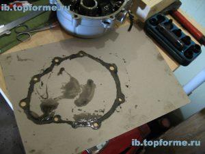 Bajaj Boxer изготовление прокладки левой крышки двигателя. Шаг 3.