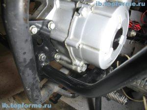 Bajaj Boxer изготовление прокладки левой крышки двигателя. Шаг 4.