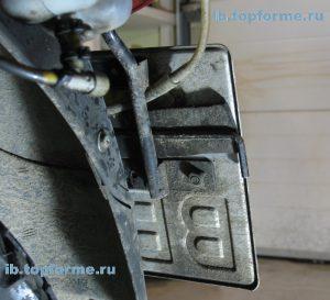 Bajaj Boxer вариант хранения ключа для винтов сидения
