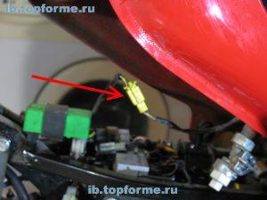 Bajaj Boxer разъем датчика уровня топлива