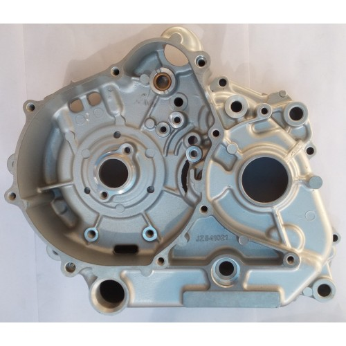 36PF004 Корпус двигателя, левая часть