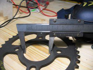 DX151023 Ведомая звезда 42 зуба: внутренний диаметр 58 мм