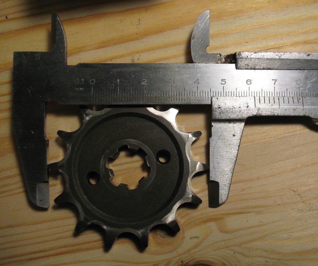 JZ551004 Ведущая звезда 14 зубьев: диаметр по зубьям 62,1 мм